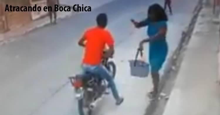 Motorista asalta dos mujeres en la misma calle