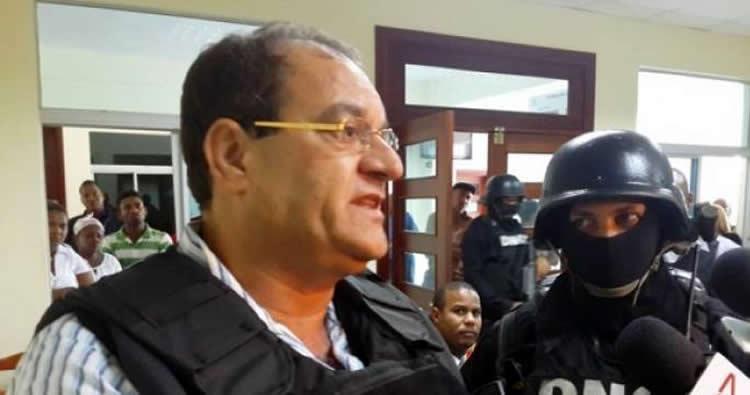 Le dan cinco estocadas a recluso Winston Rizik en La Vega