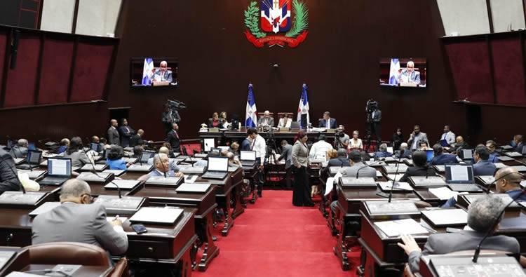 Cámara de Diputados aprueba devolver 30% AFP; ahora va al Senado