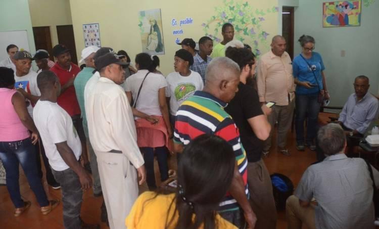 Campesinos El Seibo son desalojados de los frentes del Palacio