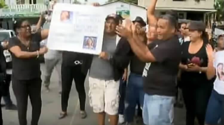 Pueblo de Emely marcha y piden '20 y 30′ años para Marlin y Marlon Martínez