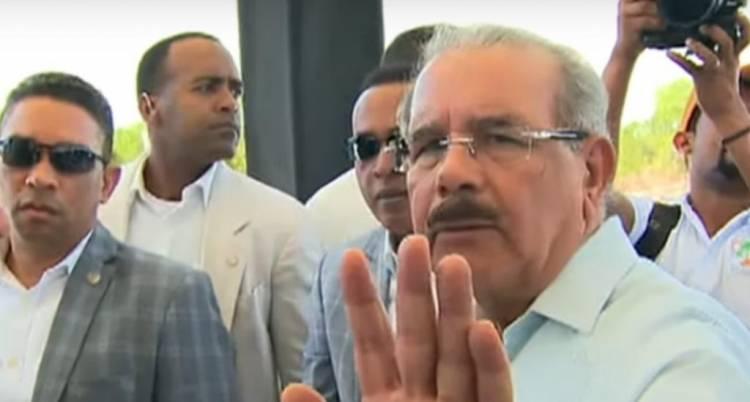 Video: Momento en que Danilo Medina evade pregunta de medios internacionales