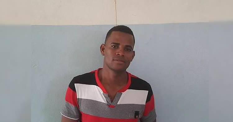 Daurin Muñoz 'Sueldo Cebolla' denuncia lo  están maltratando en cárcel de Najayo