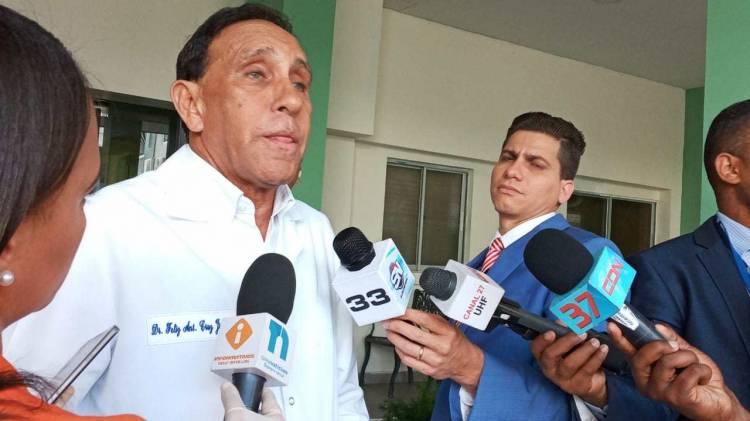 Doctor Cruz Jiminián tiene dengue y le harán prueba de COVID-19