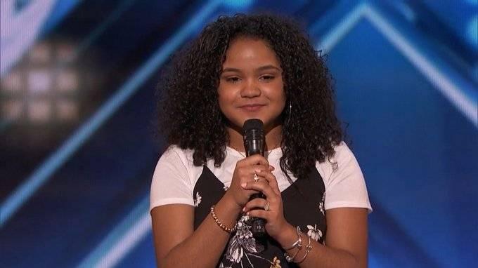 Dominicana Amanda Mena clasifica a la semifinal de America's Got Talent