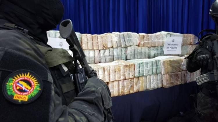 Decomisan 280 paquetes de cocaína en barco que llegó de Venezuela