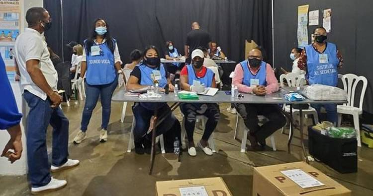 Video: Dominicanos residentes en PR se quejan por no aparecer en padrón electoral