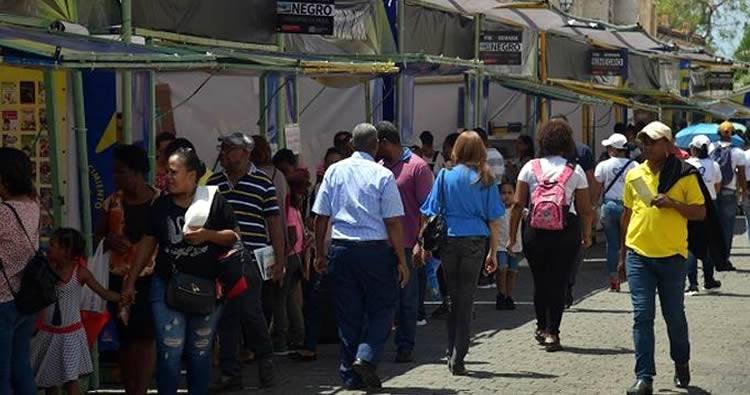 Algunos se quejan de la Feria del Libro en la Zona Colonial