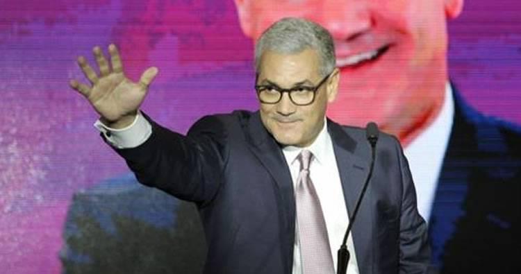 Gonzalo Castillo anuncia precandidatura presidencial; renuncia de Obras Públicas