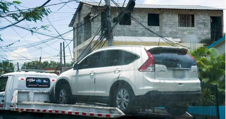 Video: Hallan un muerto y un herido dentro de yipeta en Santiago