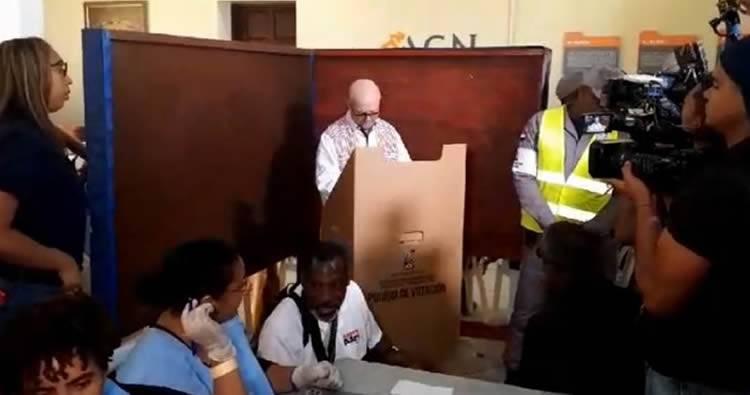 Hipólito Mejía: 'la experiencia con el voto electrónico fue mala, pero le gustan las maquinitas