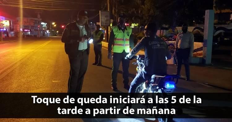 Danilo Medina extiende horario de toque de queda