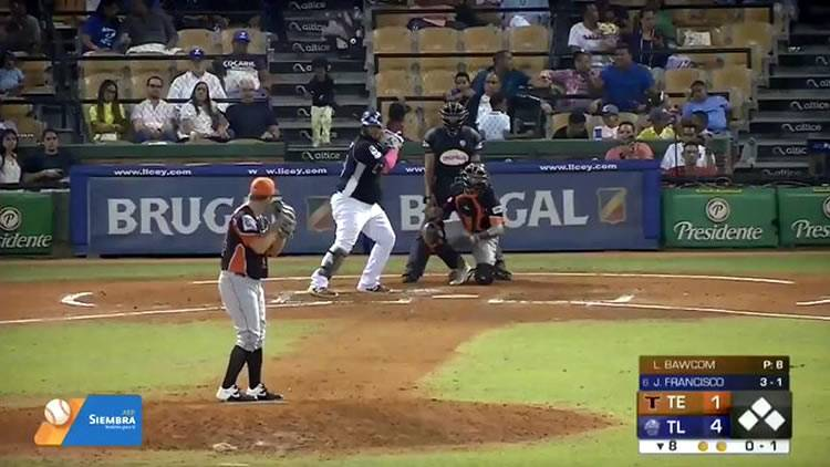 Juan Francisco pega homerun y los Tigres derrotan a los Toros