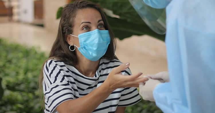 Karina Larrauri anuncia tiene coronavirus