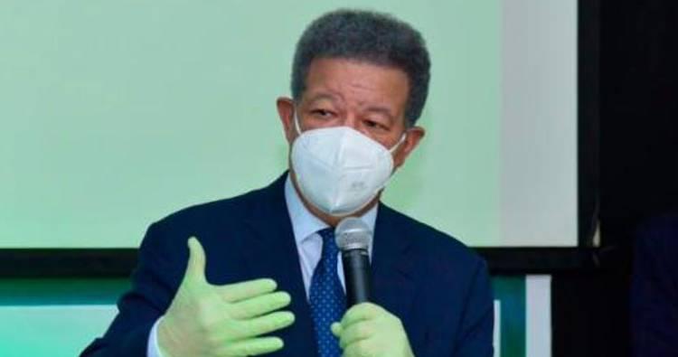 Leonel Fernández cree dinero AFP debe entregarse
