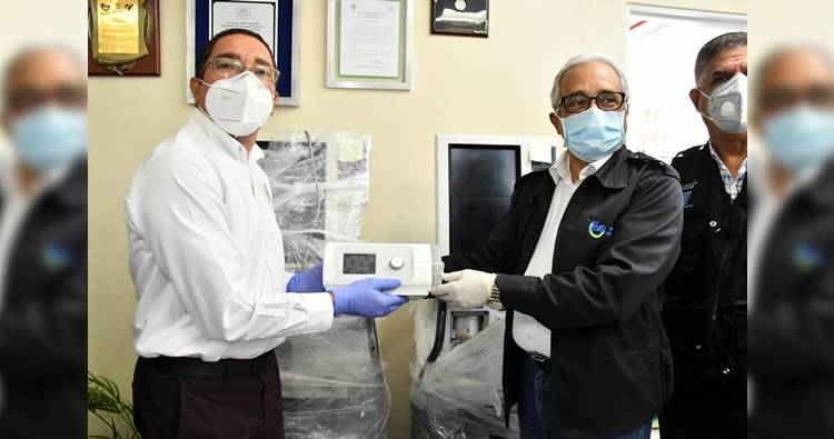 Ministro de Salud Pública dona dos ventiladores a Hospital de Puerto Plata