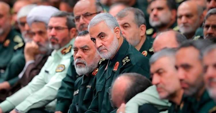"""Rebeldes chiíes del Yemen amenazan con """"respuesta rápida"""" a muerte de general iraní"""
