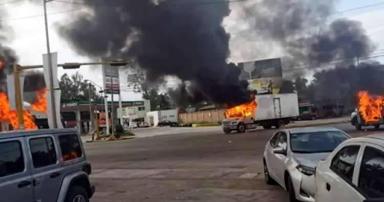 Narcos convierten una ciudad mexicana en zona de guerra para liberar al hijo del Chapo
