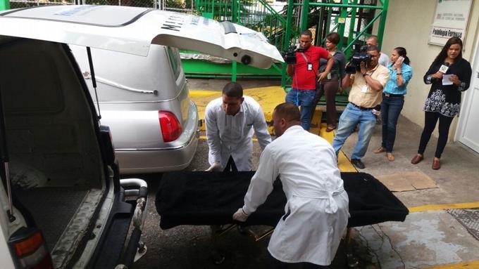 La versión que se maneja en torno a la muerte de tres personas halladas muerta dentro de un carro