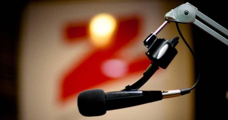 Periodista y comentarista de la Z101 cobra en el Gobierno  y factura más de 2.5 millones en publicidad