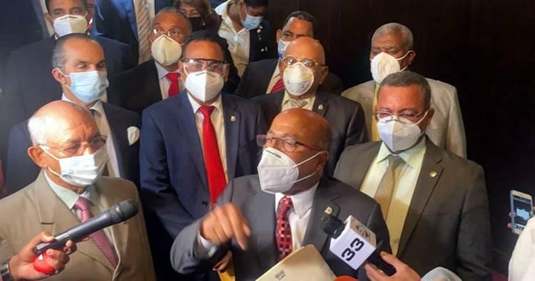 PLD no consigue votos para prorrogar estado de emergencia; aplazan sesión en Cámara Diputados