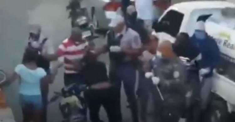 Video: Denuncian agresión durante detención en toque de queda