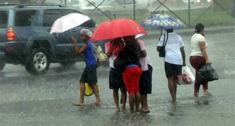 Meteorología pronostica lluvias y tronadas por onda tropical y vaguada