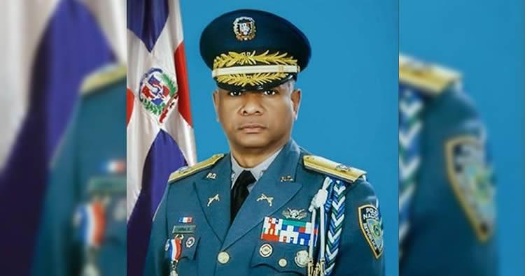 Trasladan director policial de SDE tras asalto a seguridad suegros presidente Medina