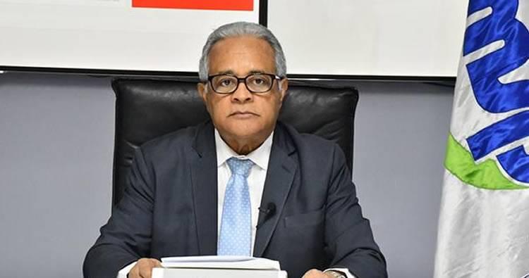 El Listín señala otras «metidas de pata» del Ministro de Salud durante la pandemia