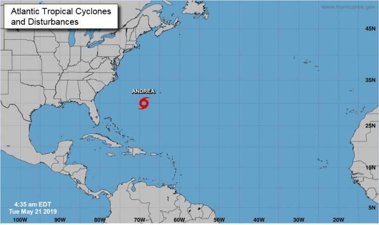 Tormenta Andrea se forma sobre el océano Atlántico
