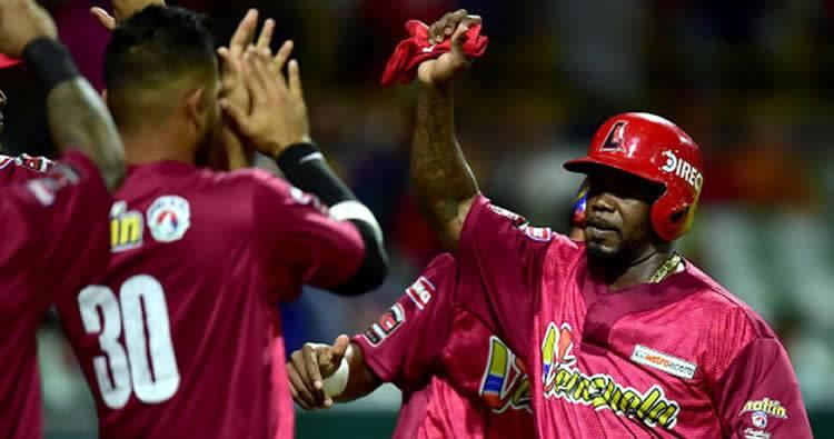 Venezuela venció a RD y continúa invicta en la Serie del Caribe