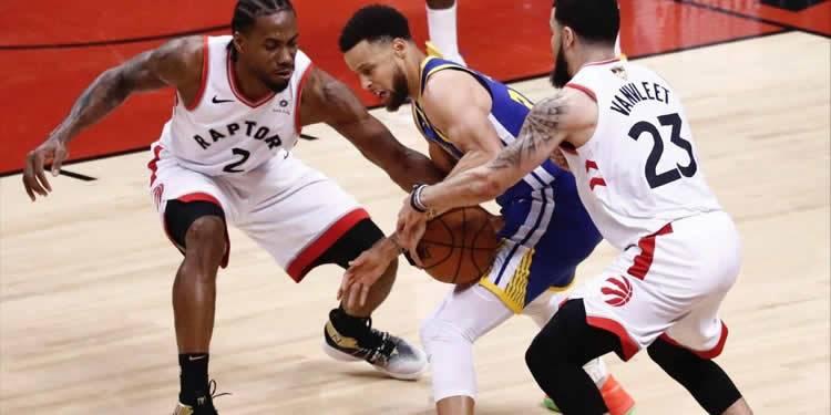 Los Warriors buscarán igualar la serie final contra los Raptors de Toronto